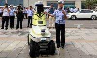 رباتها دستیار افسران راهنمایی و رانندگی شدند